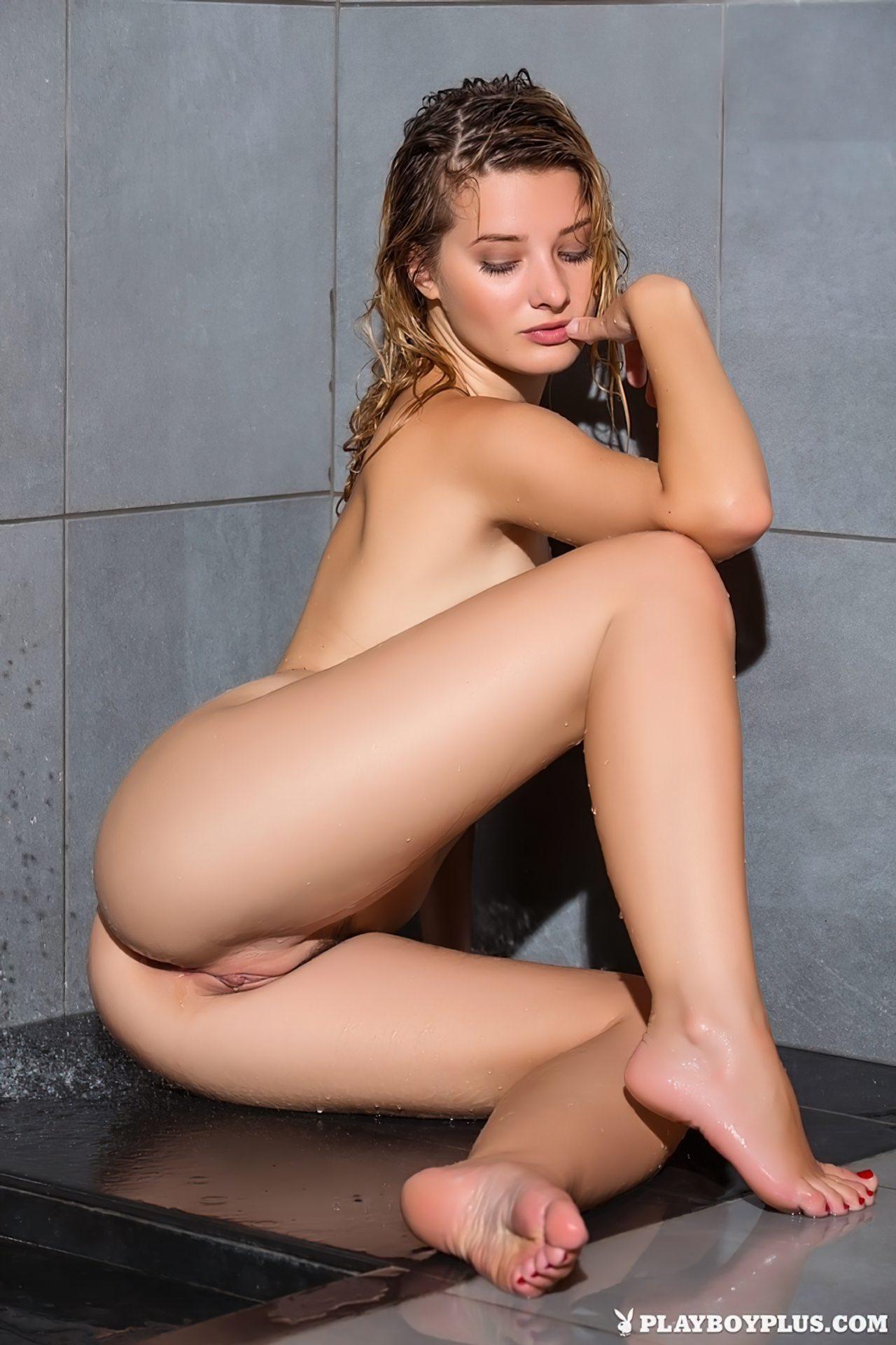 Anna Tatu (10)