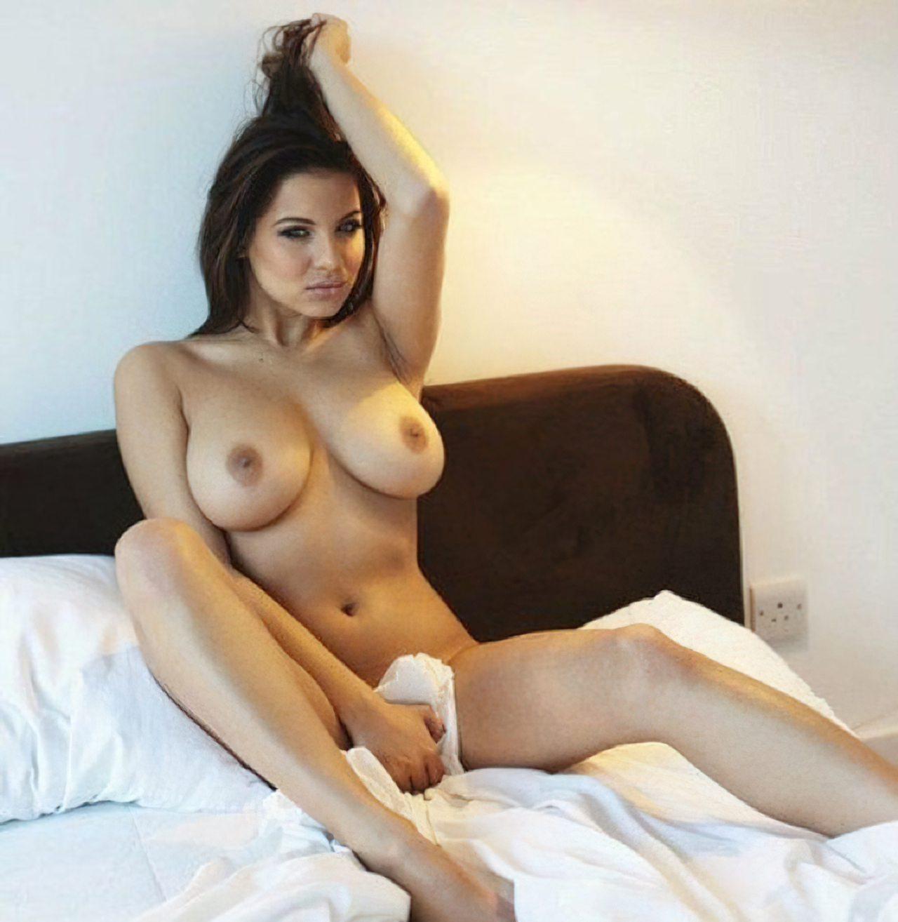 Lacey Banghard Nua (27)