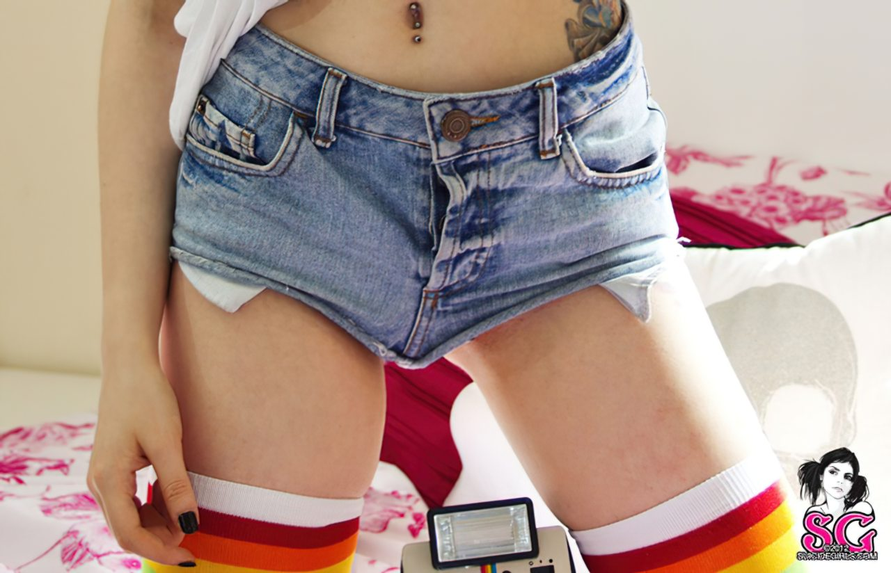 Suicide Girl Sexy (2)