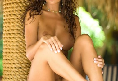 Hillary Fisher Nua (2)
