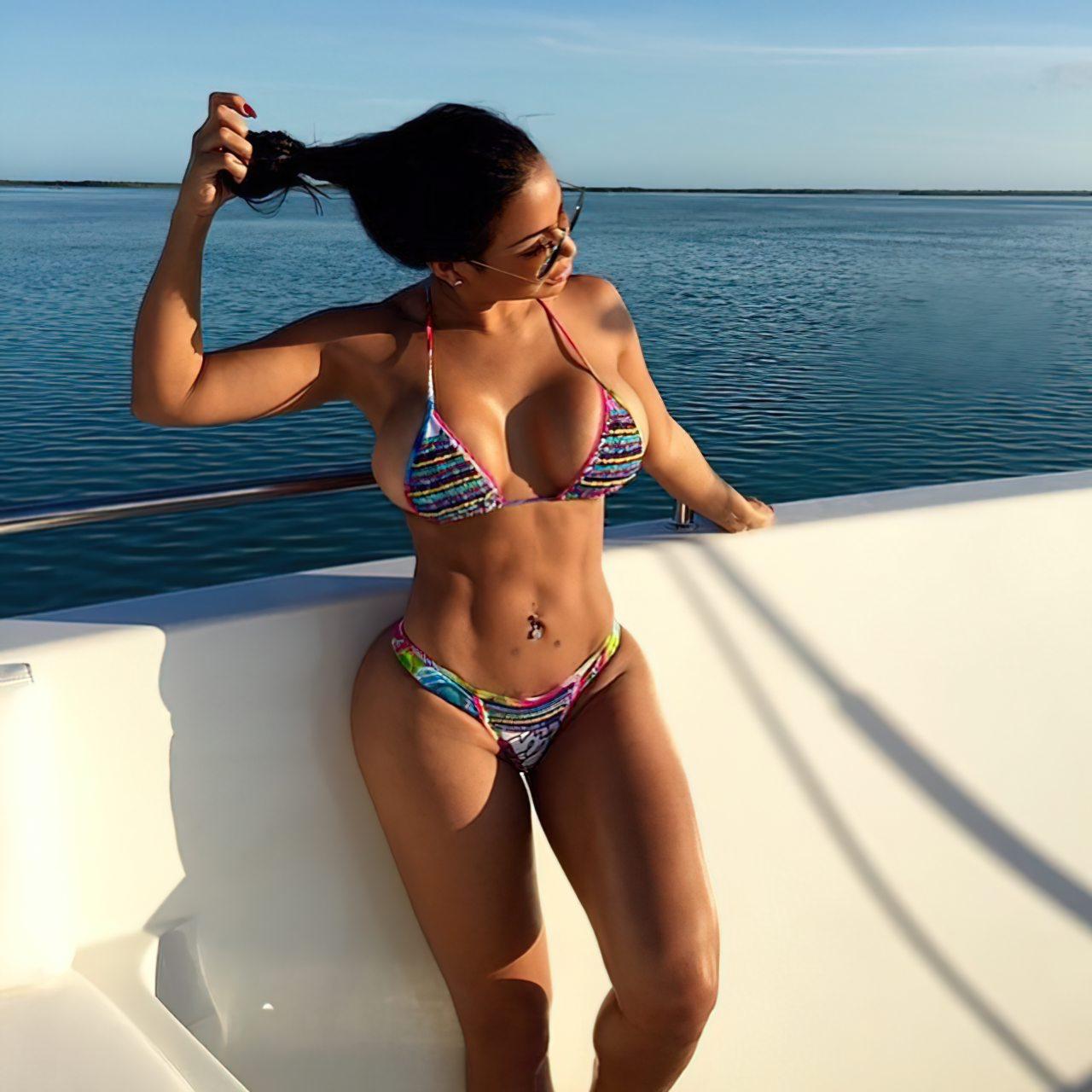 Dolly Castro (23)