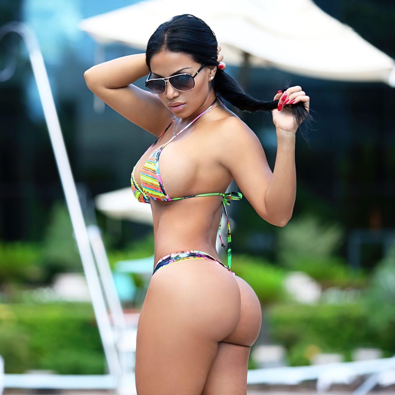 Dolly Castro (71)