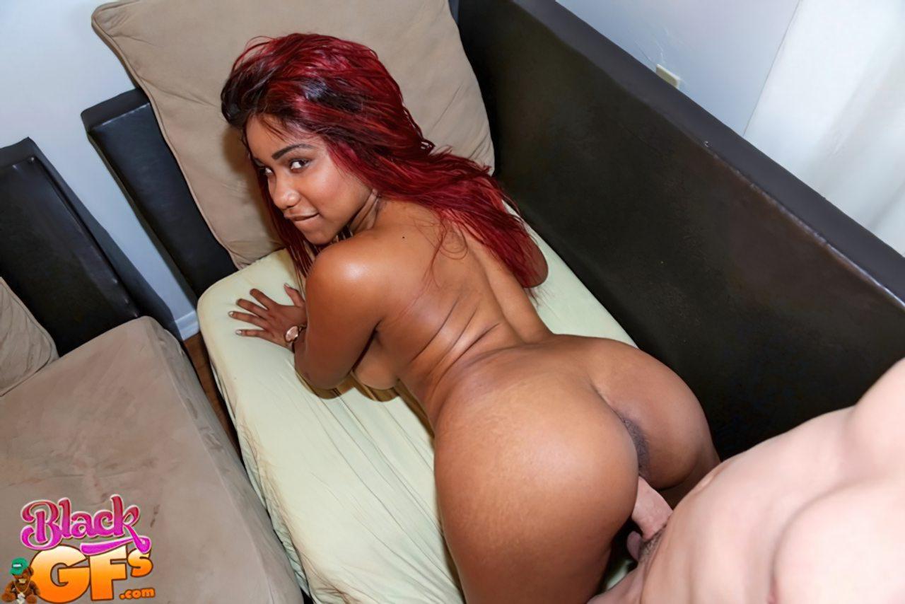 Negra Putinha Fodendo (5)
