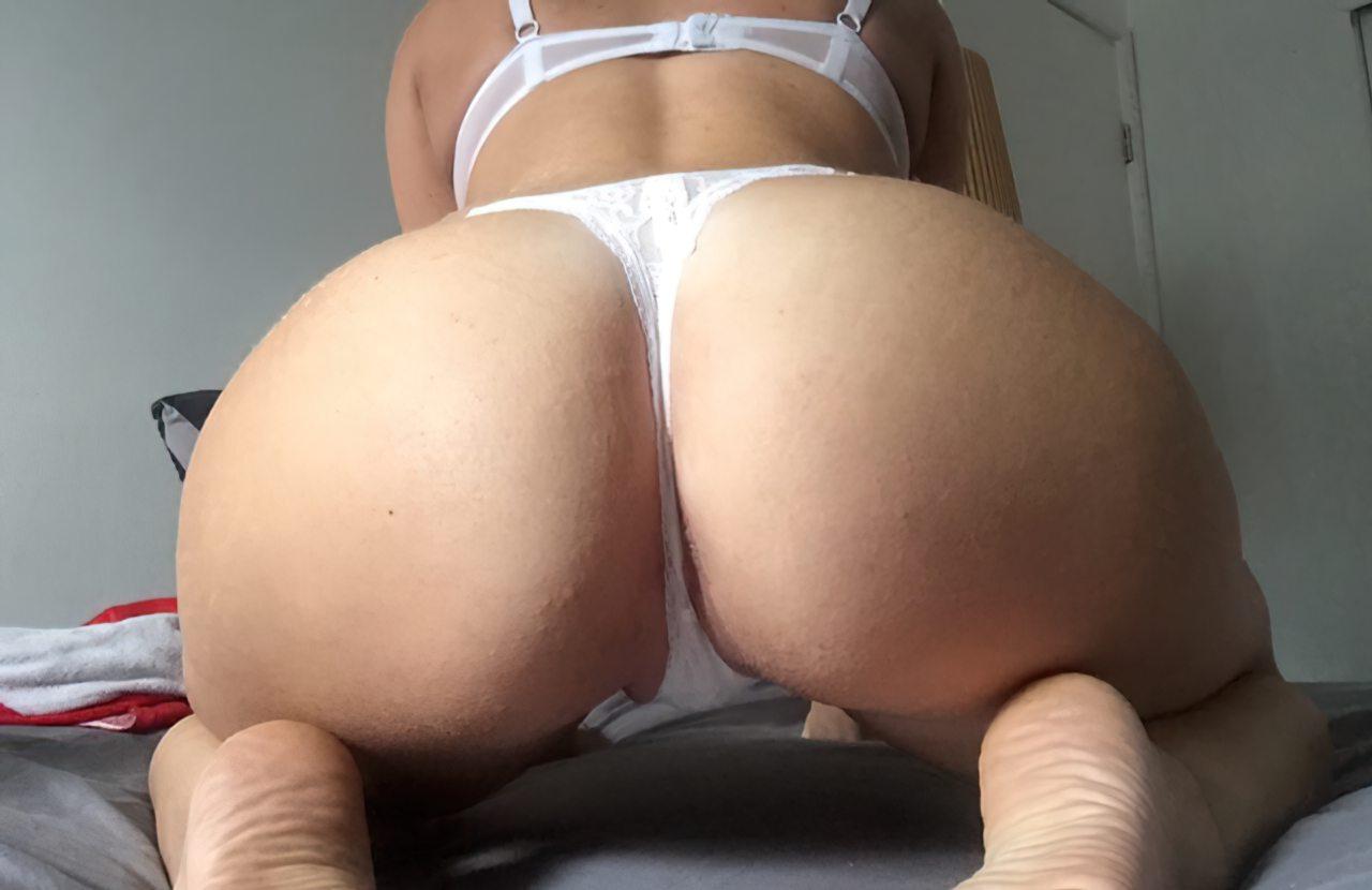 Amadora Sexy Despindo Lingerie (4)