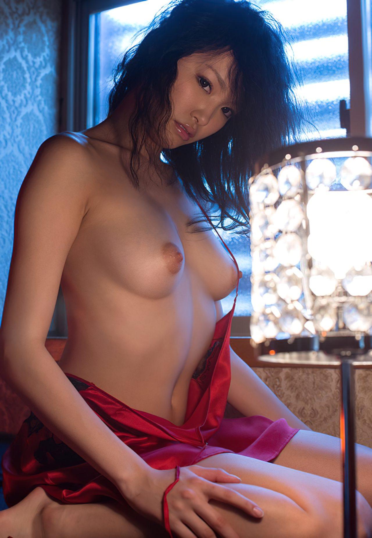 Japonesa Nua Bonita (17)