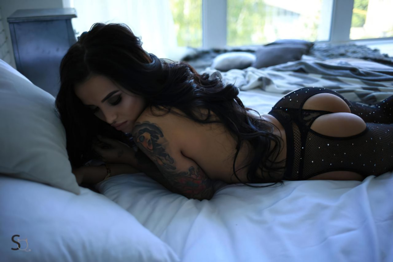 Morena Sexy na Cama (9)