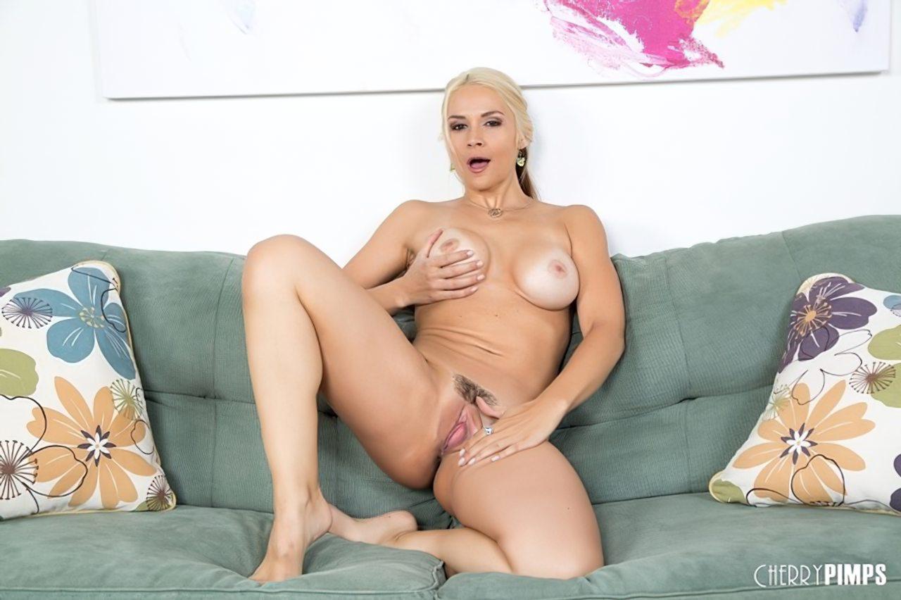 Sarah Vandella (10)