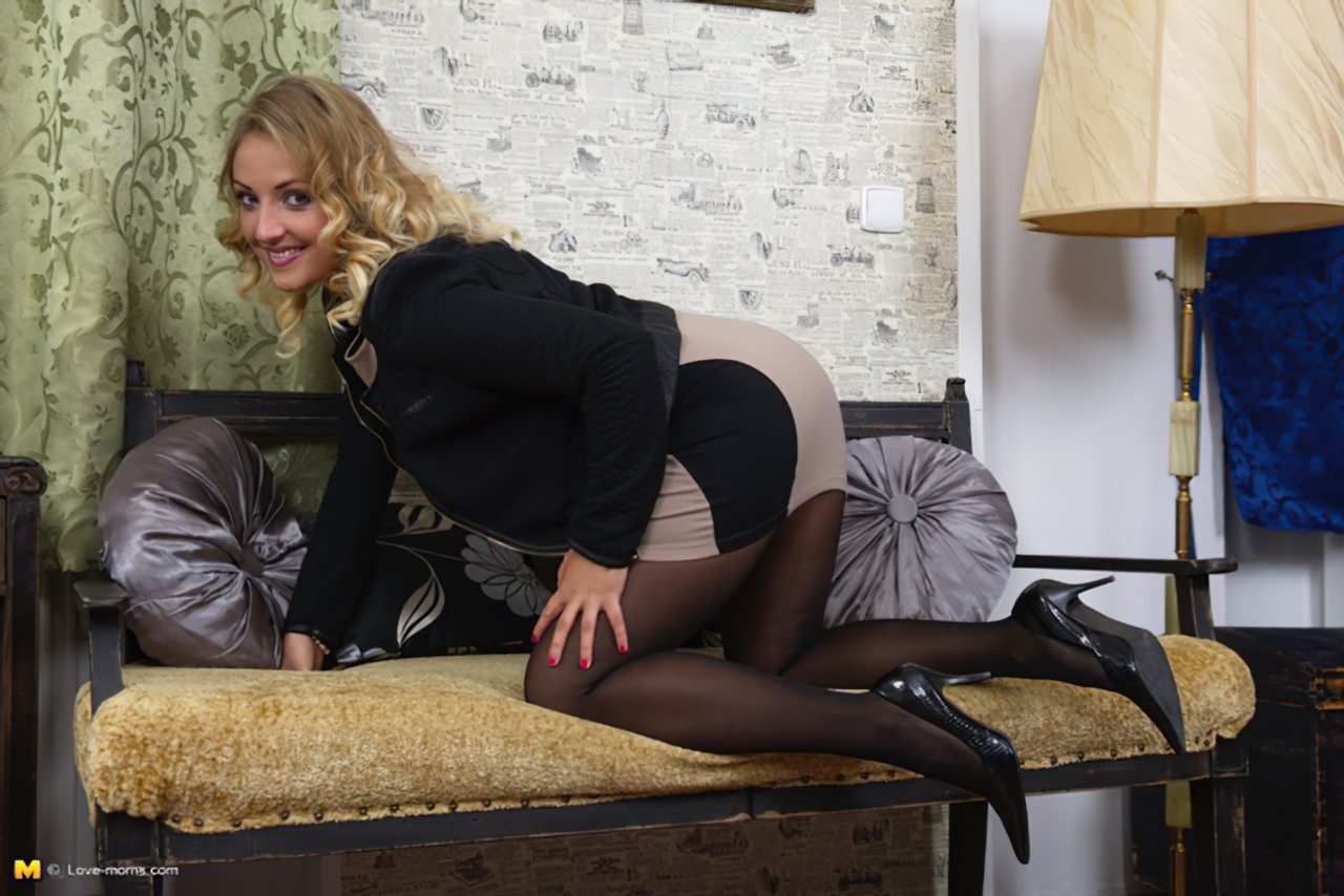 Loira Sexy Segredos Striptease (5)