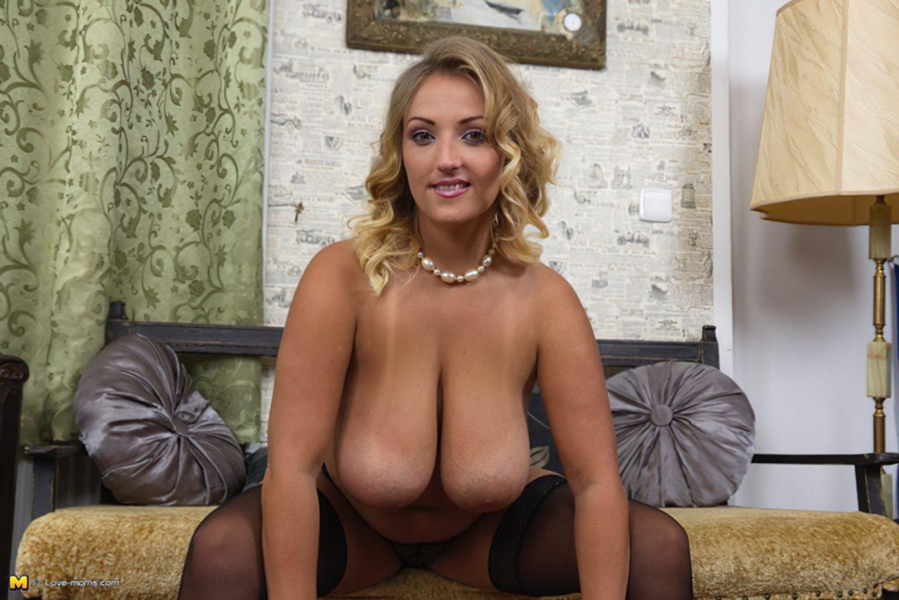 Loira Sexy Segredos Striptease (12)