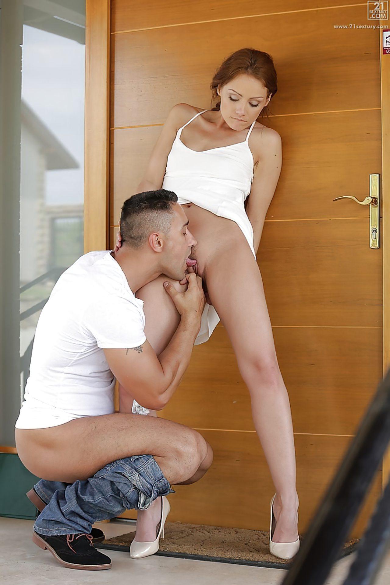 Sexo Porta da Casa (2)