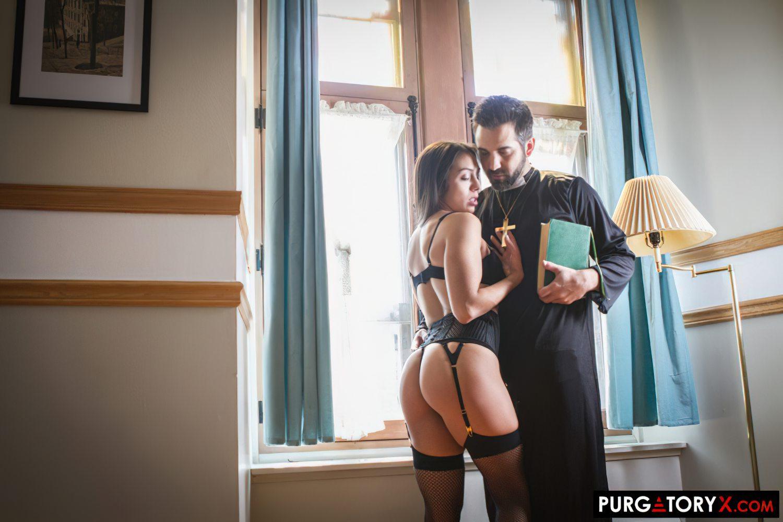 Confissao Picante Sexo com Padre (2)