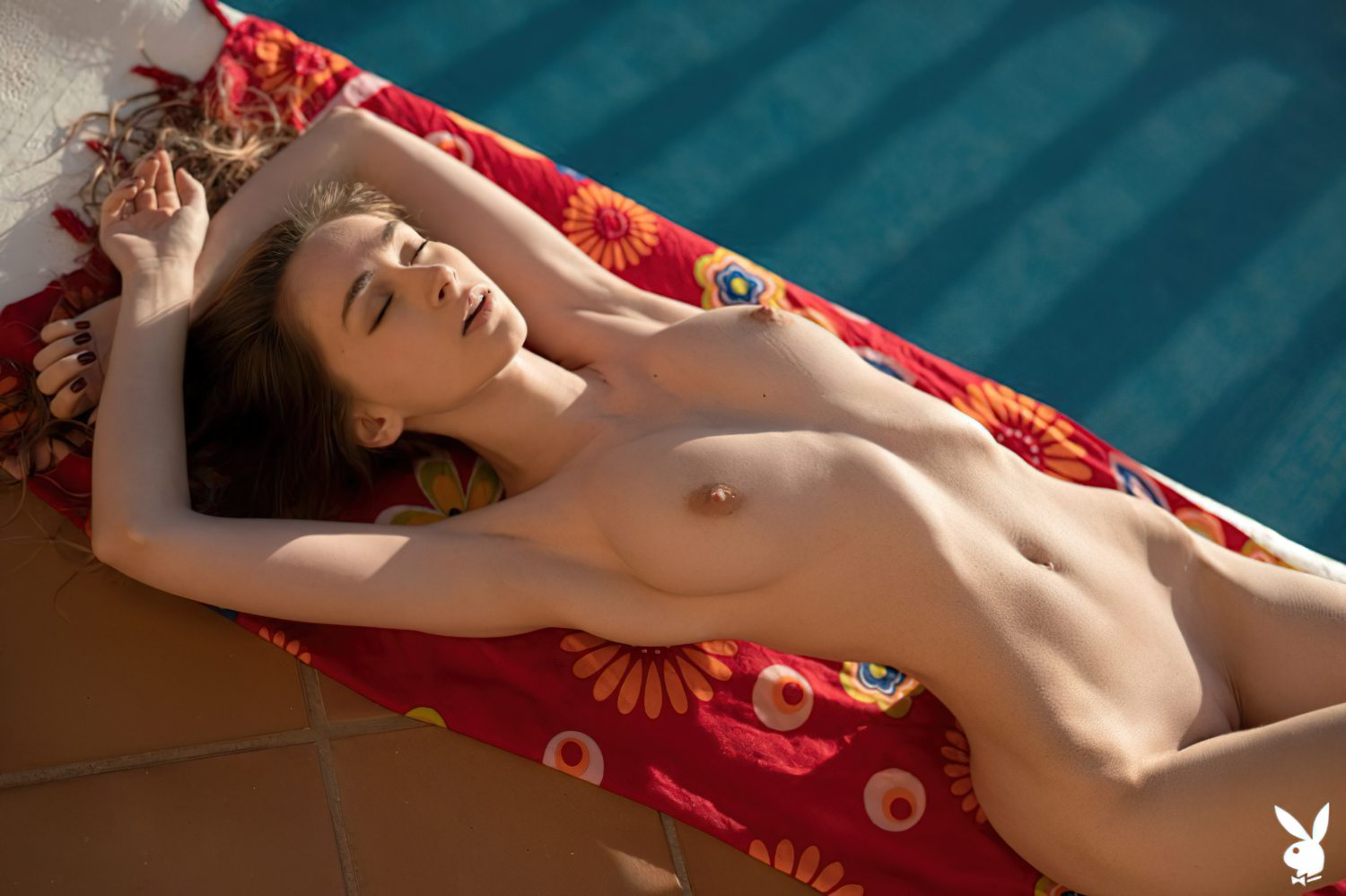 Yana West Nua Playboy (12)