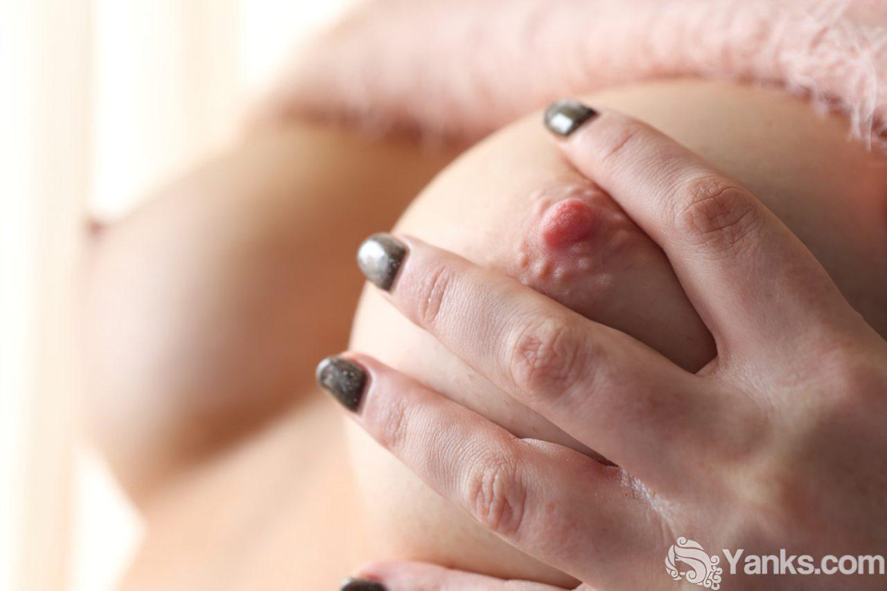 Masturbação na Varanda de Casa (2)