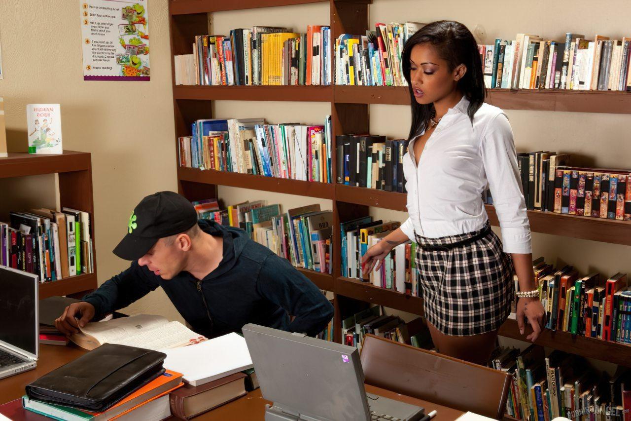 Sexo Biblioteca Publica (1)