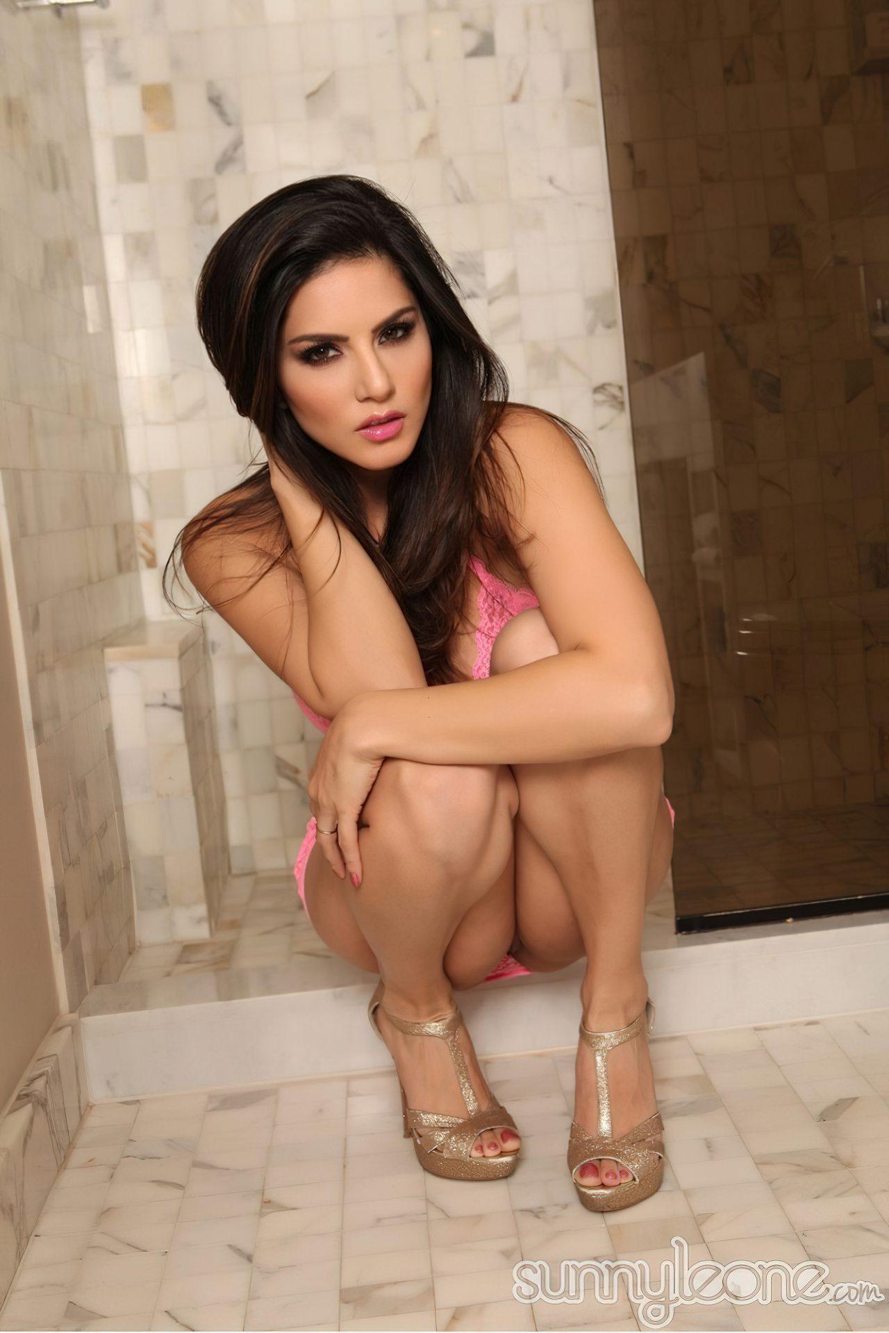 Sunny Leone na Casa de Banho (9)