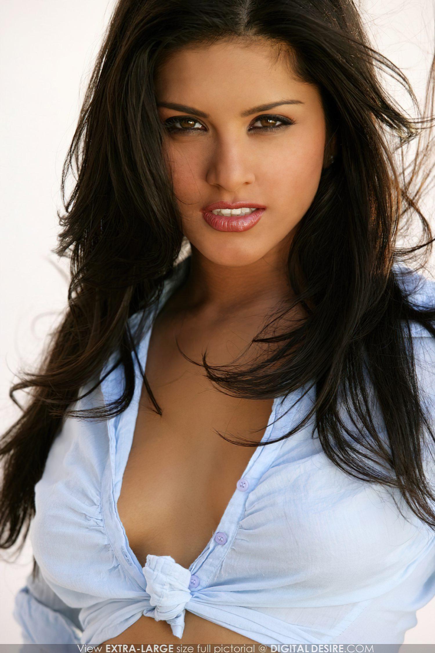 Sunny Leone Jovem Nua (4)