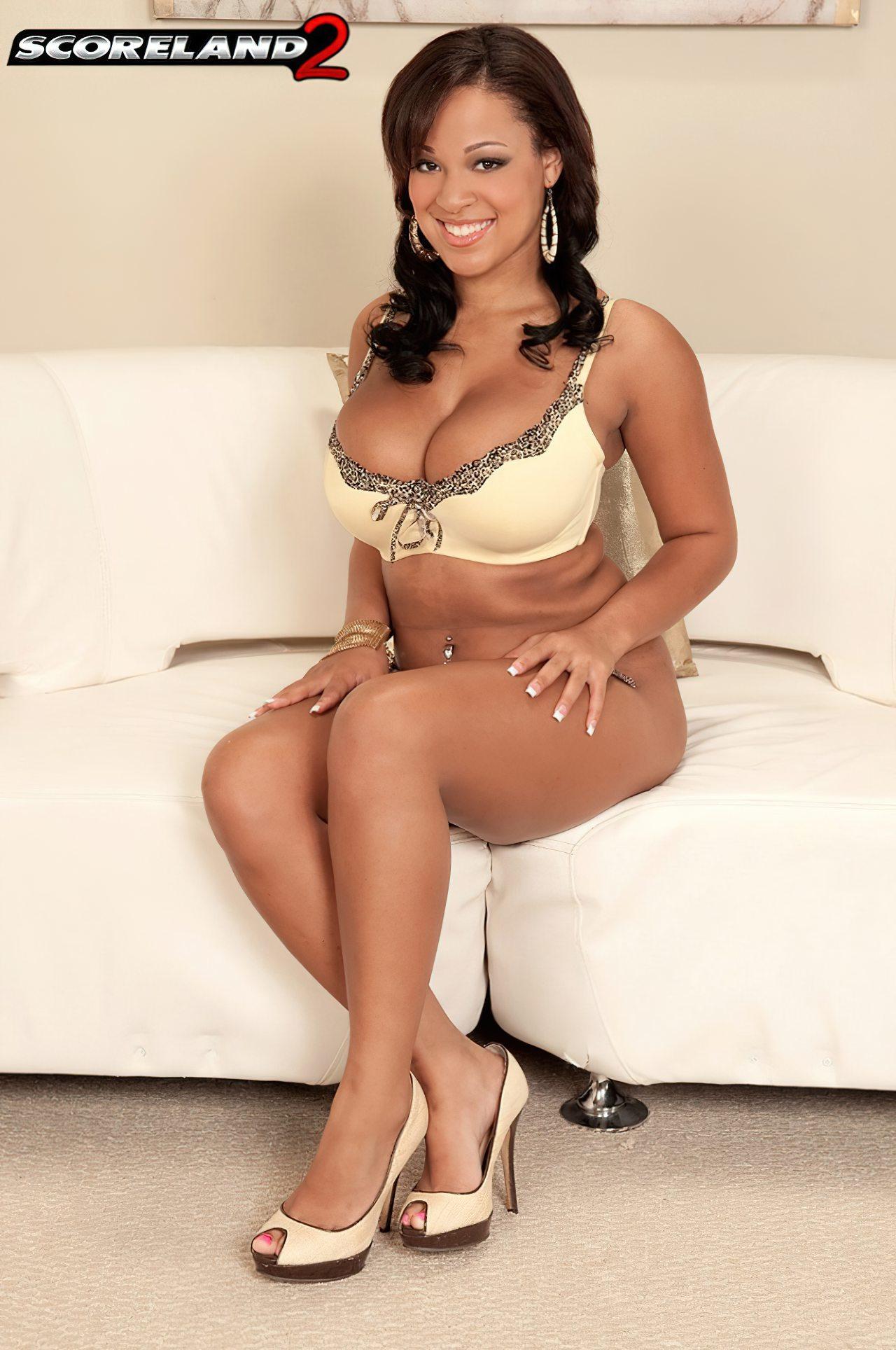 Mulher Negra Mamas Grandes (4)