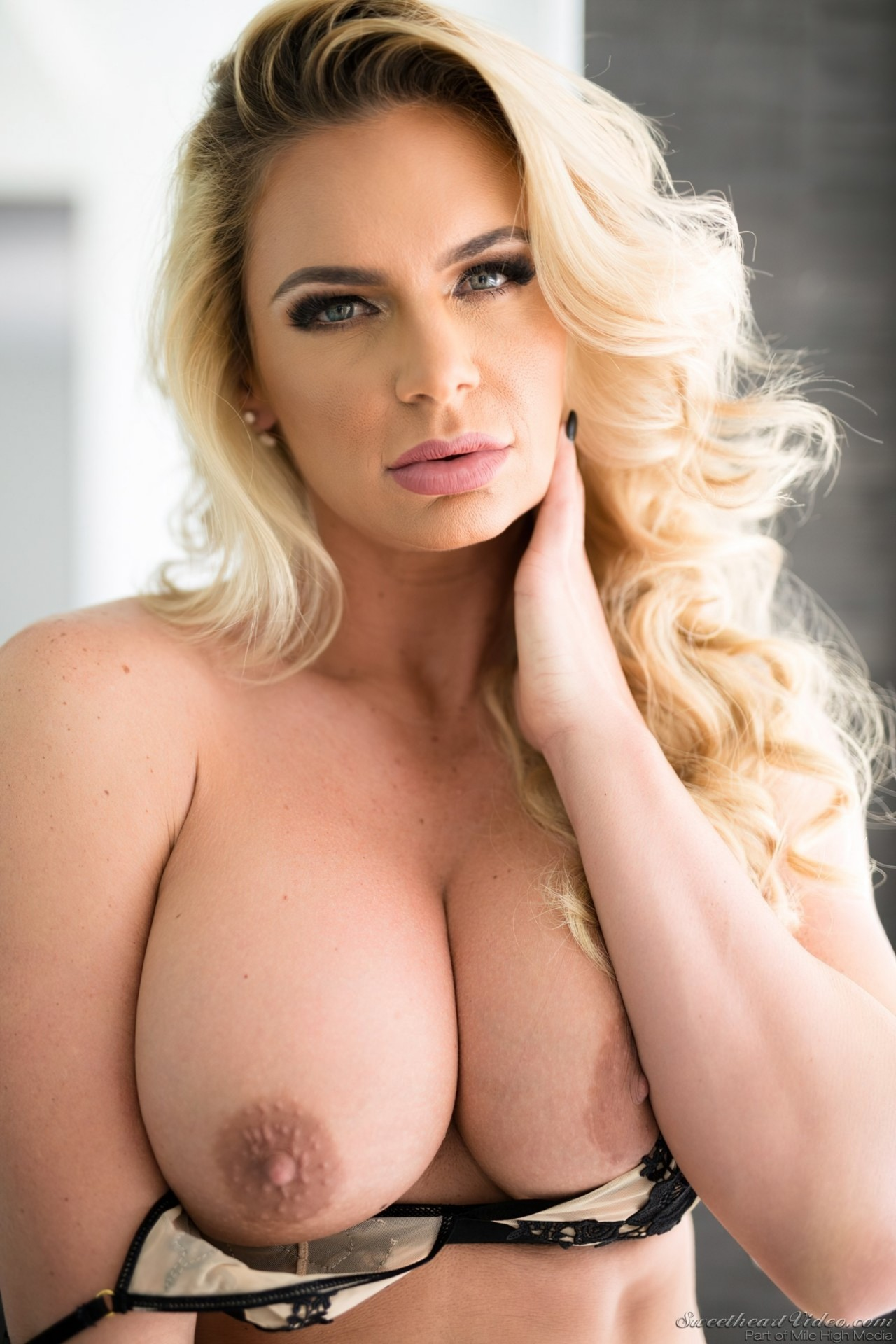 Mulher Madura Striptease (3)