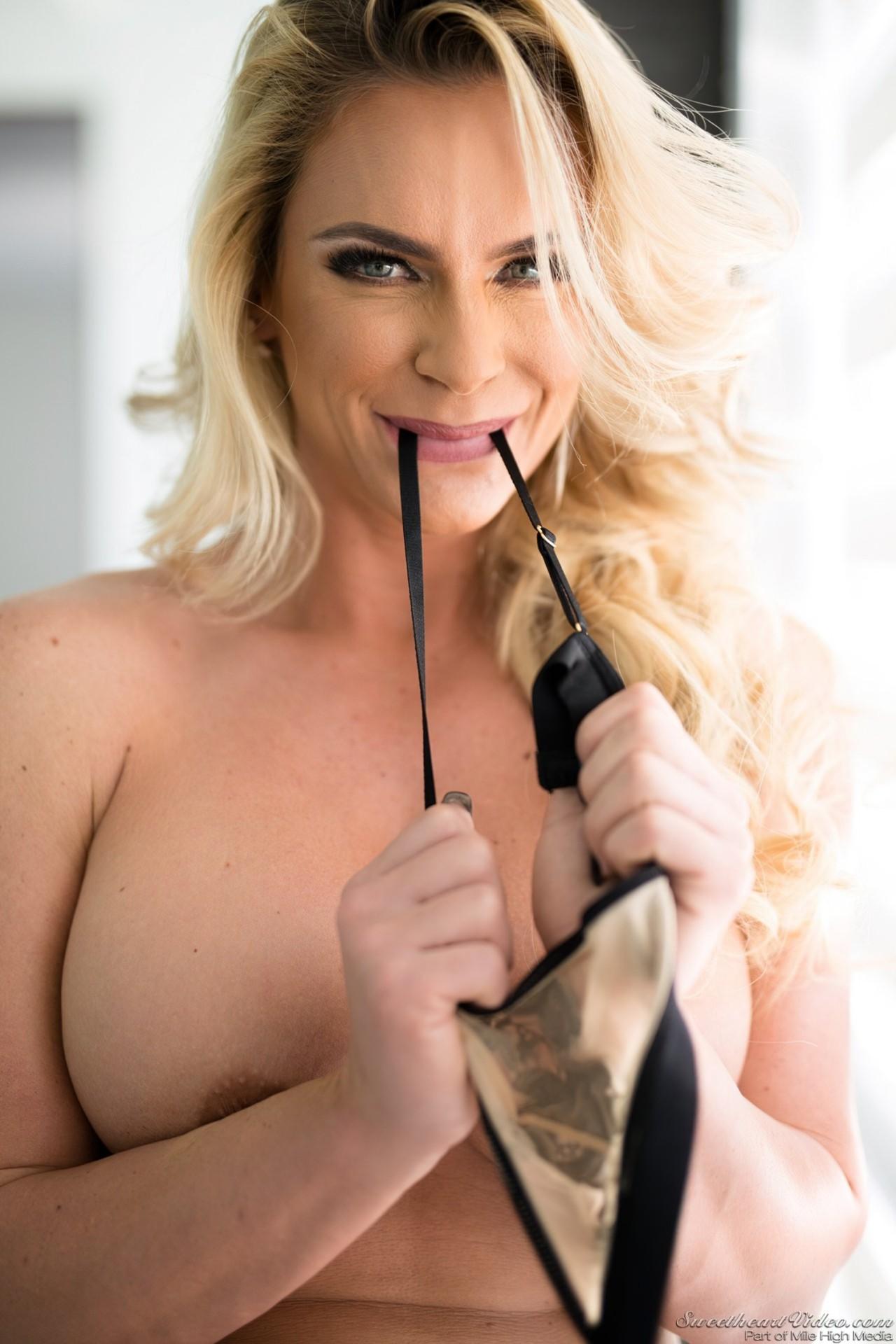 Mulher Madura Striptease (6)